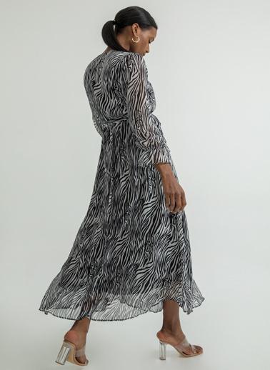 Foremia Zebra Desen Anvelop Şifon Elbise Beyaz